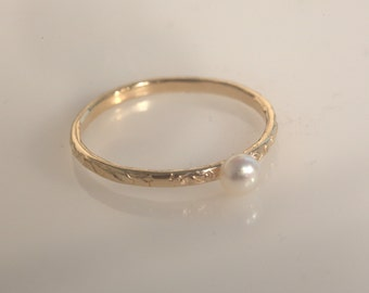 pearl ring,thin gold ring,stacking rings,pearl ring gold,hammered ring,tiny ring,white pearl ring,pearl jewelry