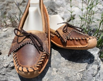 Womens Tan Distressed Canoe Sole with Fringe
