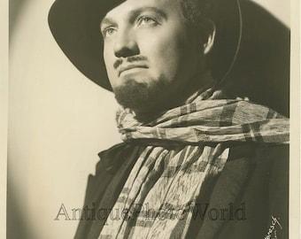 Davis Cunningham opera singer in costume vintage photo