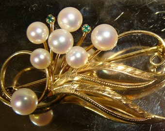 14K Brooch Cultured PEARLS and EMERALDS 1950s 14 K High Quality