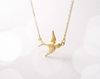 Romantic dove bird necklace in gold