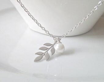 Silver Leaf Necklace, Leaf Pearl Necklace, Bridesmaid Gifts, Silver Necklace, Bridesmaid Necklace, BFF Gifts, British Seller UK, For Mom