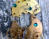 Steampunk Watch Movement Cogs&Gears pendant. Watch movement pendant. Steampunk pendant,Steampunk necklace