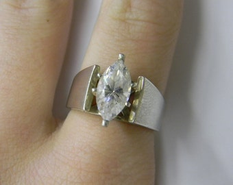 Stunning Sterling Silver 925 Marquis Ring, Ring is size 6.75 #5608