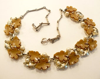 Beautiful High Quality Vintage Thermoset & Faux Pearl Oak Leaves Necklace