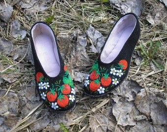 Strawberries - Hand embroidered Slippers with leather sole for kids