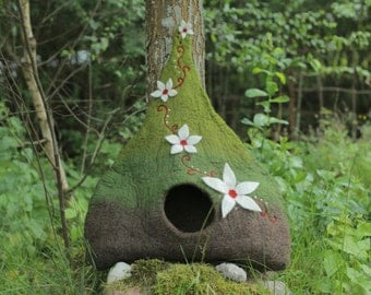 Luxury pet house, green cat cave, cat bed, white flower cat vessel, felted dog house, woolen cat home