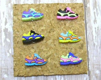 Colorful Tennis Shoes Push Pin, Shoe Push Pins, Decorative Pushpins, Decorated Thumb Tacks,Thumbtacks,Bulletin Board,Cork Board,Unique Gift