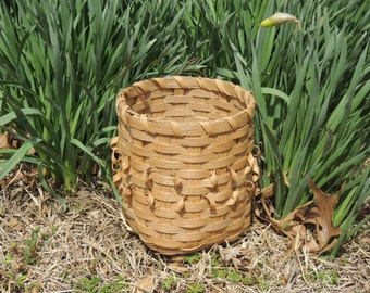 Utensil Basket with curls.