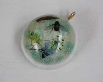 Shells, fly, lichen, forget me not and cow parsley english necklace