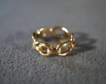 Vintage Yellow Gold Tone Multi Interlocking Eternity Wedding Band Ring, Size 8