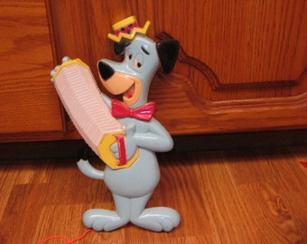 Darling Vintage HUCKLEBERRY HOUND Wall PLAQUE !   Cute