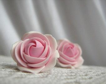 Polymer clay earrings - Lihgt rose flower stud earrings