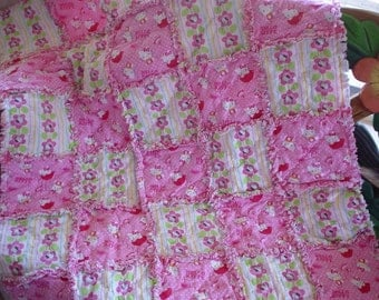 Hello Kitty Rag Quilt - Pink and White