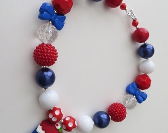 Patriotic cupcake, red, white and blue chunky bubblegum beaded necklace, ready to ship! (style 98)