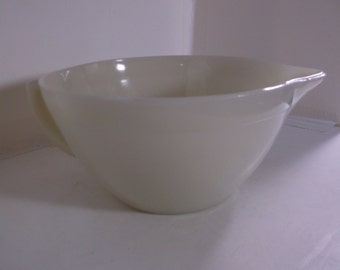 Vintage Fire-King Ivory Batter Bowl