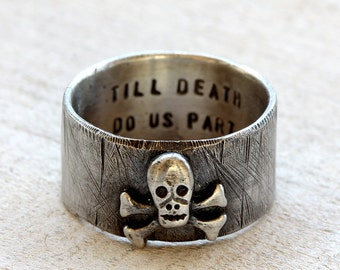 Skull and crossbones ring sterling silver personaliazed pirate ring