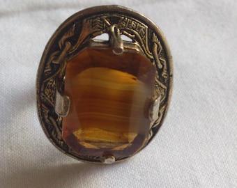 Vintage glass agate Celtic design ring