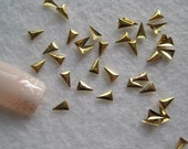 MD-627 30pcs Fancy Metal Charms 3*4mm Gold Triangle Charms Nail Art Decoration Cellphone Decoration