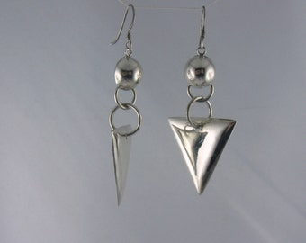 20% OFF: Casually elegant earrings with geometric shapes from sterling silver (925 Ag). Probably 70s. VINTAGE