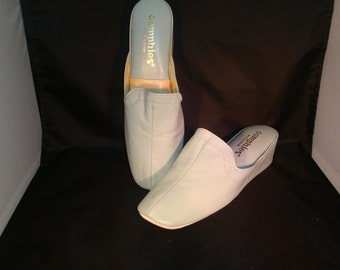 Vintage Oomphies Granada Light Blue Leather Slippers/ Shoes(1980s) Size 7 (New Old Stock)