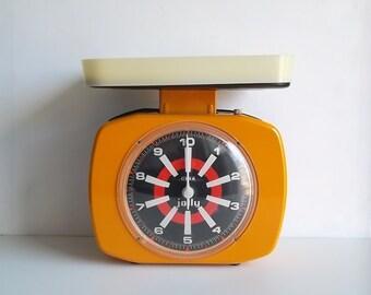 Retro scales, Vintage scales, 1970s Italian Scales, Vintage orange scales