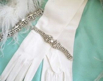 Lovely 1960's White Wedding/Party/Prom Gloves Size - 6 1/2  Never Worn