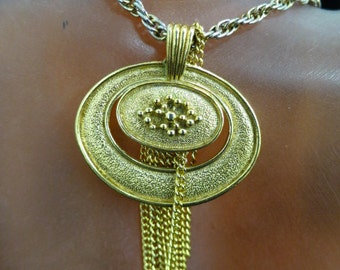 Vintage Signed Avon Dangling Chain Pendant Necklace