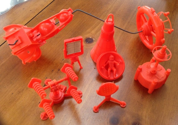 Marx Playset 4652 Operation Moon Base Space Station Tower