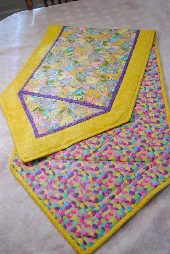 yellow quilted easter table runner by panhandlercrafts on etsy. Black Bedroom Furniture Sets. Home Design Ideas
