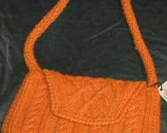 medium handknit shoulder purse with lining