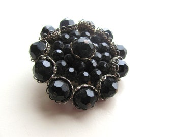 Vintage Brooch Glass bead brooch