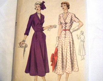 Vintage 1940s Vogue 6370 dress pattern sewing pattern
