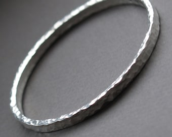 Silver hammered bangle - Chunky silver jewellery - Handmade silver bangle - Rustic silver - Round silver bangle - Handmade unique jewellery