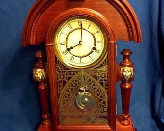 A Vintage Wesminster Chime Wind-Up Mantle Clock