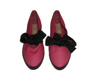Vintage 9 West Sport B-Bend  Pink Black Fabric Bow Tie Cut Out Details Polka Dot Lined Sneakers Flats Shoes Size 9M