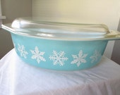 Vintage Pyrex Blue Snow Flake Casserole Dish with Lid