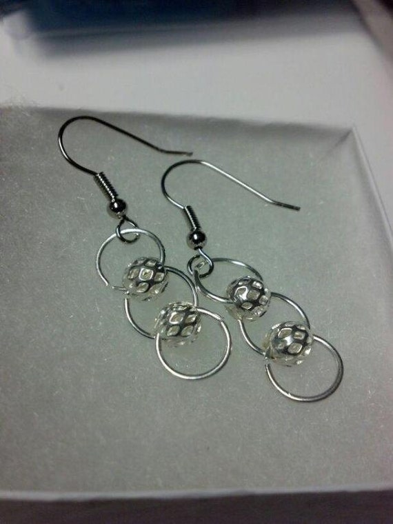 Loop Bead Dangle Earrings