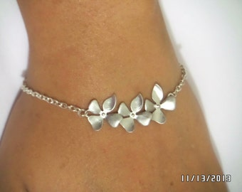 Set of 5 Bridsmaid,Beautiful Rhodium plated orchid flower Bracelet with STERLING SILVER chain,Bridal jewelry, Christmas gift