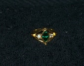 Avon Vintage green emerald and diamond ring size 5