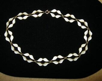 Vintage NORWAY W.K. 925S Sterling Enamel Leaf Necklace Excellent Condition