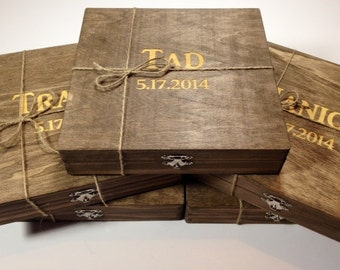 Groomsmen Gift - 10 Rustic Cigar Boxes With Laser Engraved Names - Personalized & Stained - FREE SHIPPING - Felt Lined Bottom