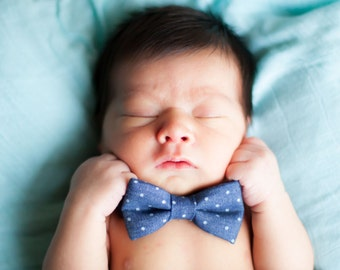 Polka dot denim bow tie - baby bow tie - kids bow tie - toddler bow tie, tie for little boys