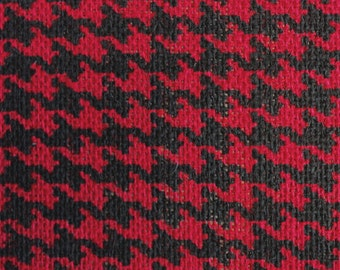"Burlap Print Houndstooth Red - 60"" x 20 Yards"