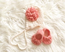 Star stitch bonnet and shoes
