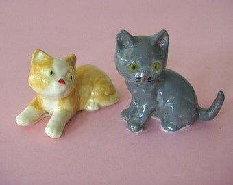 "SWEETEST Vintage 3"" KITTENS Original Hand Made Ceramic Pottery Figurine Pair MINT Condition"