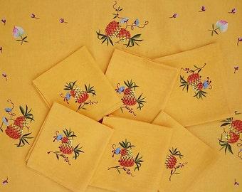 Retro tablecloth so bright & sunny