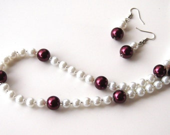 White Pearls. White Pearl Necklace Burgandy Wine Pearls. Wedding Pearl earrings. White wedding earrings. Burgandy earrings. Pearl earrings.