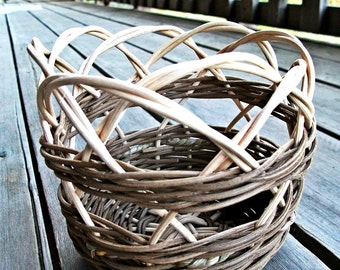 Small gift wicker basket-  gift for her- gift idea- seagrass basket-handwoven basket- handwoven wicker basket