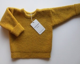Babies/Children's knitted lambswool sweater with oak buttons/jumper/cardigan/pink/blue/gray/natural